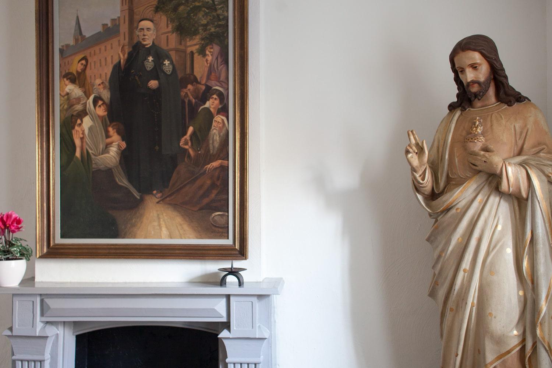 Steun de Kapel van Pater Karel en het bedevaartsoord
